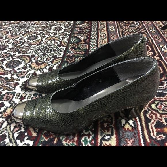 J.Renee Shoes - J. Renee snakeskin pumps green